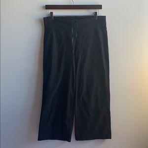 Black Lululemon Capri Pants